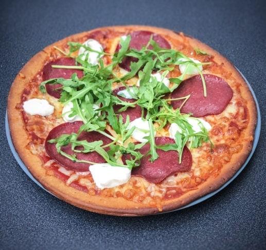 knallgod-protein-pizza-bunn-517×486
